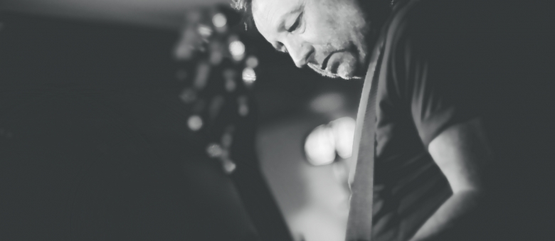 Unknown Pleasures: Peter Hook fa i conti con il passato